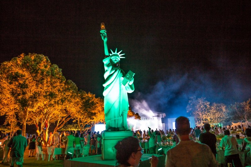 O Réveillon 2018 do La Torre Resort de Porto Seguro-BA teve como tema New York e superou todas as expectativas, recebendo um público de mil pessoas (Divulgação)