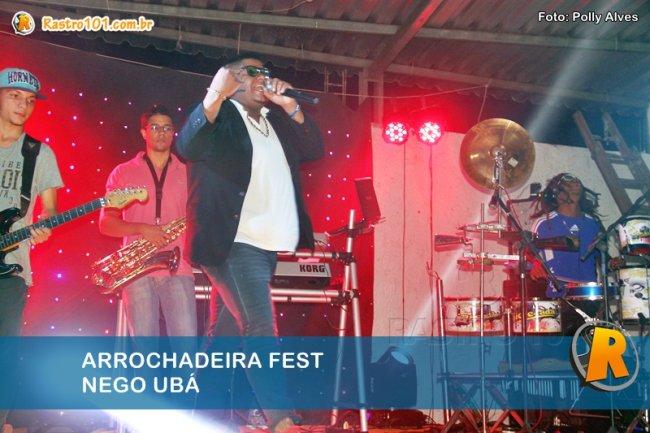 Nego Ubá animou a noite de sábado em Itagimirim. (Foto: Polly Alves)
