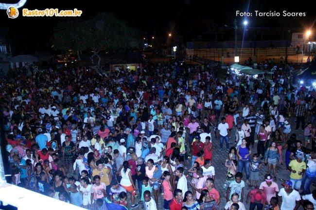 Festa de aniversário de Peba reuniu centenas de pessoas no centro de Itapebi. (Foto: Tarcísio Soares)