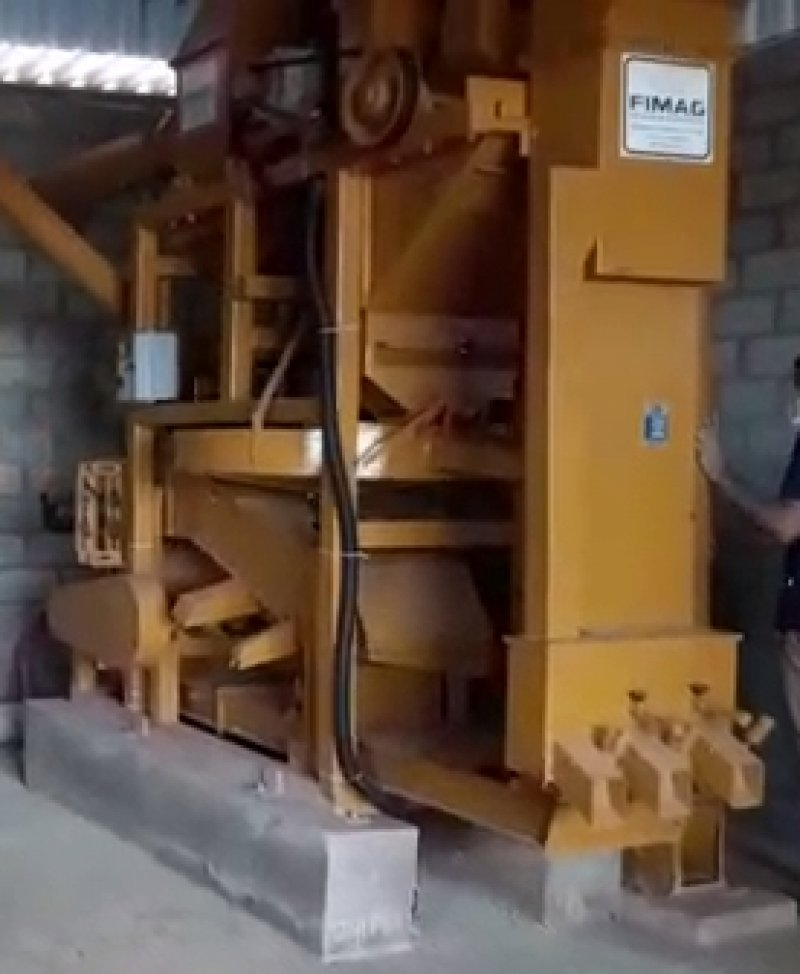 Parte da estrutura do secador de café em seu momento de inauguração. Foto: Comunidade Maravilha II