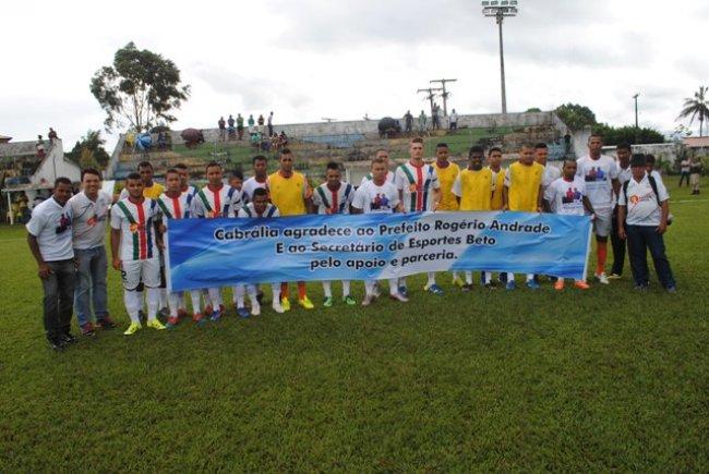 Porto Seguro e Cabrália se enfrentaram no campo que é considerado um dos melhores do sul da Bahia. (Foto: Ligeirinho do Esporte))