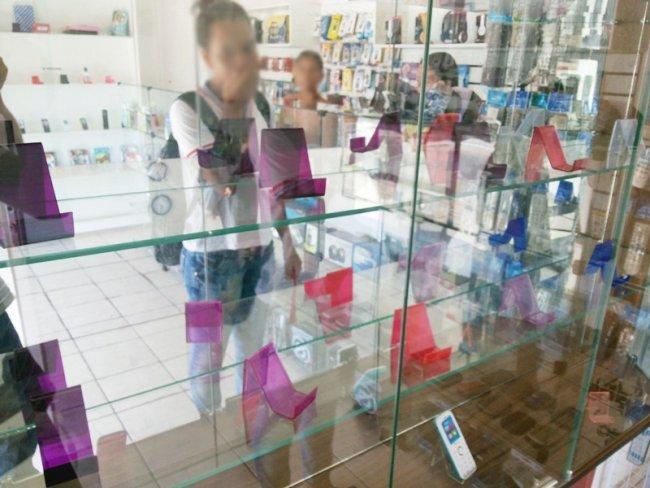 21 dos mais caros equipamentos da loja foram levados. (Foto: Rastro101)
