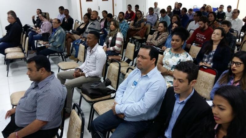 Mais de 200 empresários de diversos setores participaram da primeira etapa do evento no auditório do Hotel Portal, em Eunápolis, no dia 18 (Foto: Divulgação)