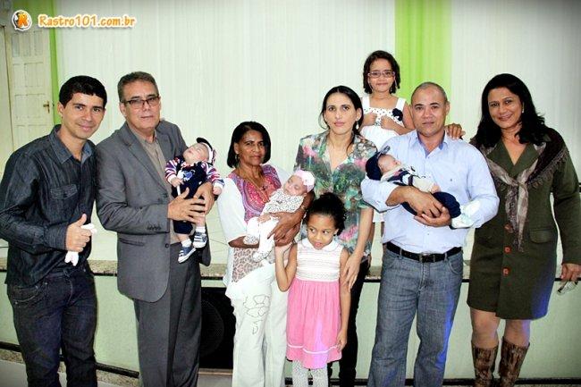 Com os pastores Ernanes Moreira (esquerda) e Luis Teixeira (direita). (Foto: Rastro101)