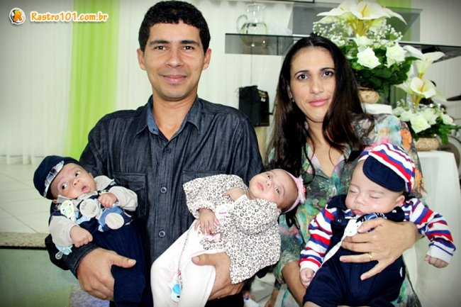 Olinto e Cristiane já estão reunidos em casa com os trigêmeos. (Foto: Rastro101)