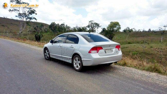 Honda Civic que pertence a um policial militar de Minas Gerais foi roubado e recuperado na Bahia. (Foto: Divulgação/PM)