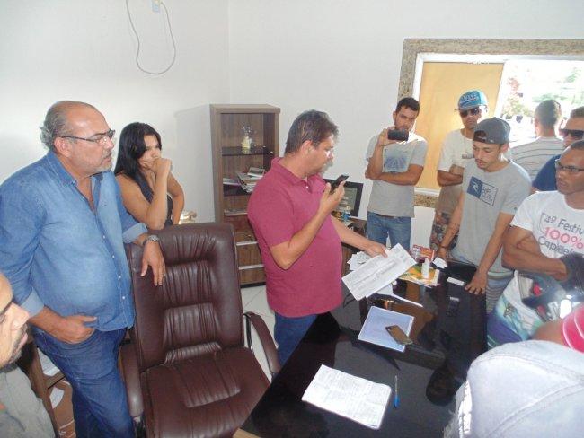 Prefeito agendou uma reunião com um dos diretores da Veracel Celulose. (Divulgação)