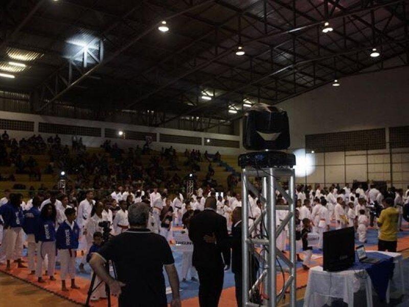 Cerca de 400 atletas participaram do evento em Feira de Santana (Divulgação)