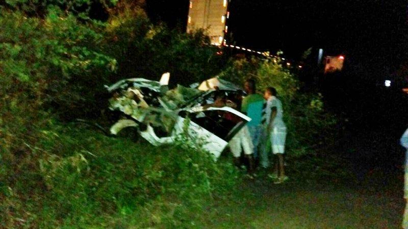 Veículo ficou totalmente destruído. (Vitor Viana/Sapeacunamidia)