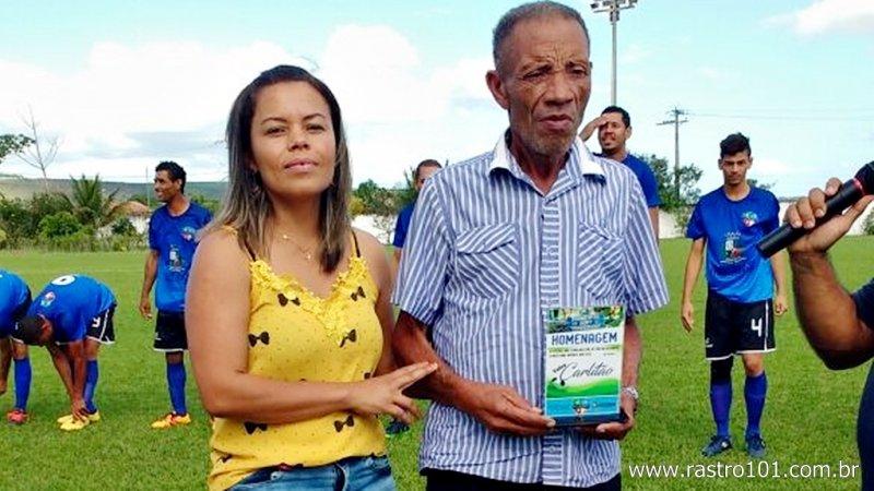 Ícone do futebol em União Baiana, Sr. Carlitão recebe justa homenagem (Divulgação)
