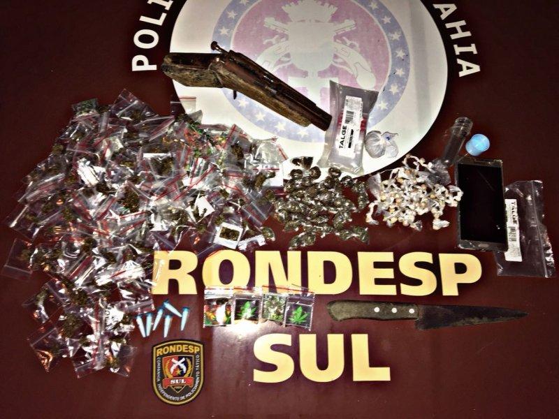 Grande quantidade de drogas apreendida em Eunápolis (Divulgação/Polícia)