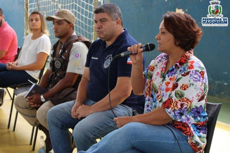 O evento contou com a participação da prefeita Devanir Brillantino, dos vereadores, Epaminondas e Júnior do Carmo, Secretários de Governos e assessores jurídicos. (ASCOM)