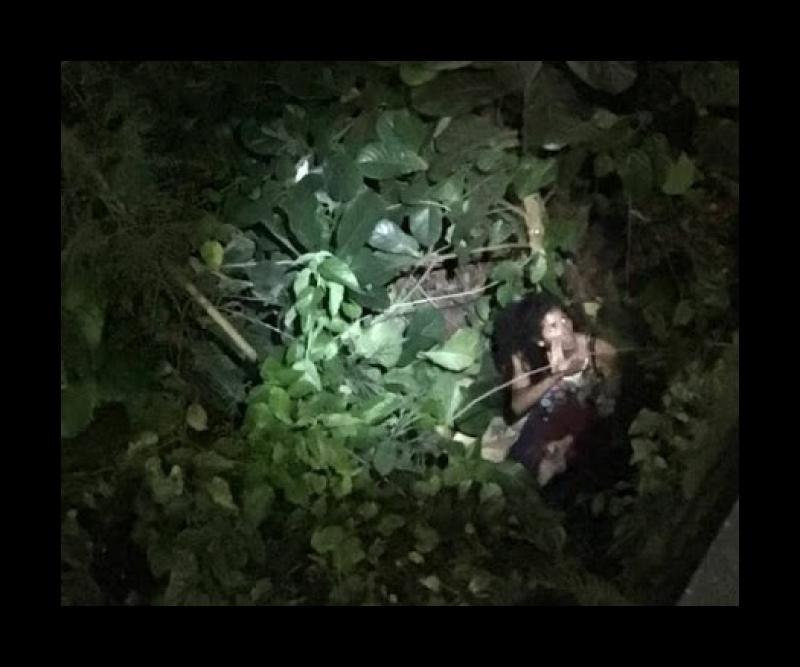 Imagem da vítima dentro do rio. (Reprodução/Verdinho Itabuna)
