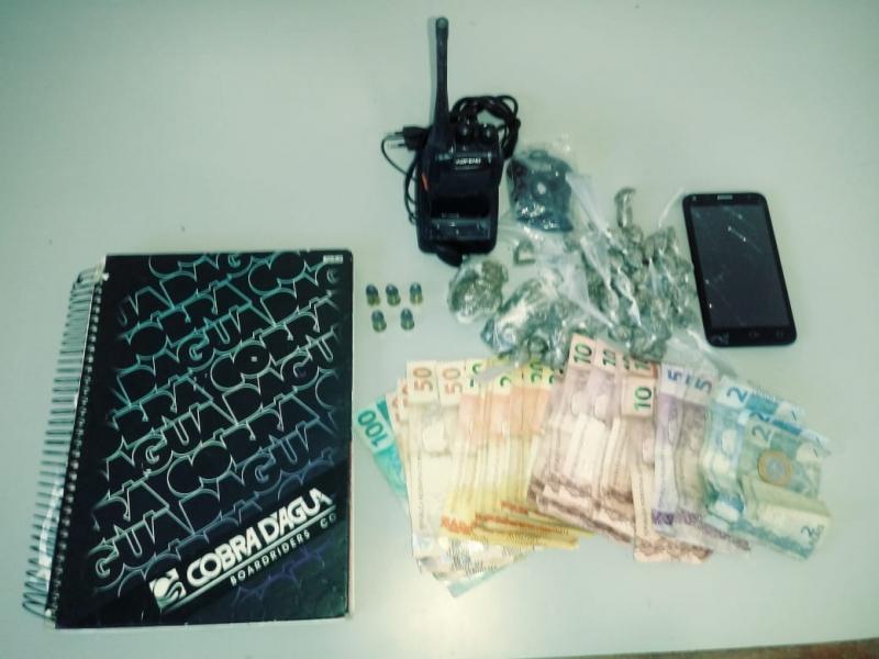 Material apreendido pela polícia. (Divulgação/PM-BA)