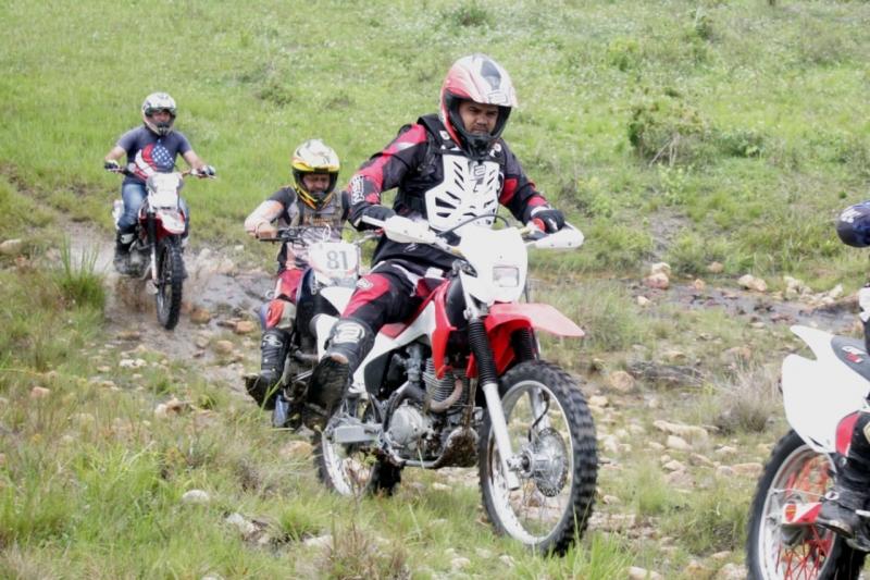 O Grupo de Trilheiros foi formado em 2015, quando um grupo de amigos adquiriu suas motocicletas e iniciaram as primeiras trilhas pela região. (Divulgação)