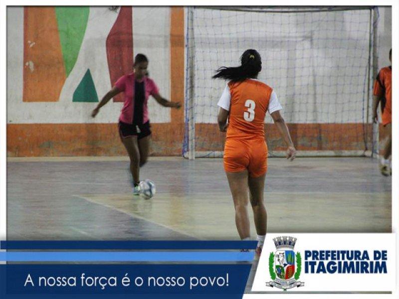 Torneio teve abertura com partida da seleção feminina de futsal. (Ascom)