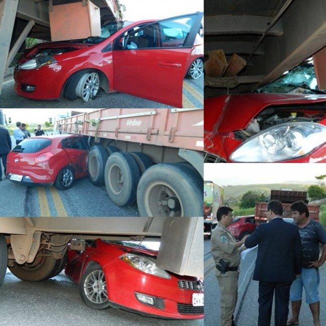 Veículo foi arrastado por pelo menos 60 metros entre as rodas da carreta. (Fotos: Arnaldo Alves)