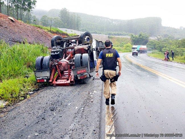 Cavalinho se soltou do baú ao passar pela curva. (Foto: Rastro101)