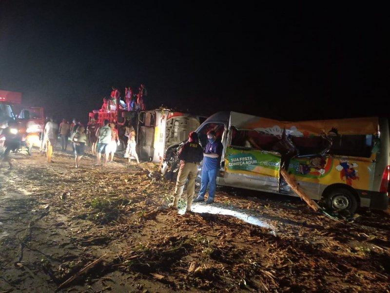 Acidente deixou 12 mortos e 20 feridos (Divulgação)