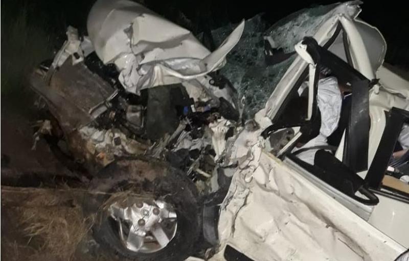 Um dos carros destruído no acidente. (Foto: Divulgação/PRE)