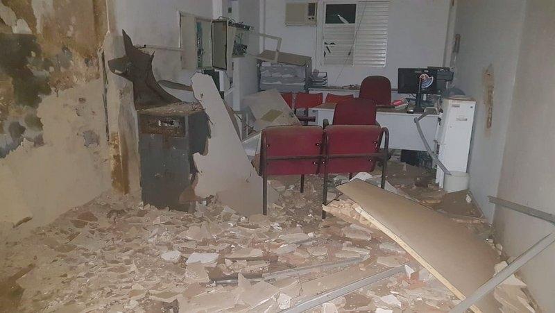 Agência foi destruída pelos assaltantes. (Imagem: Radar64)