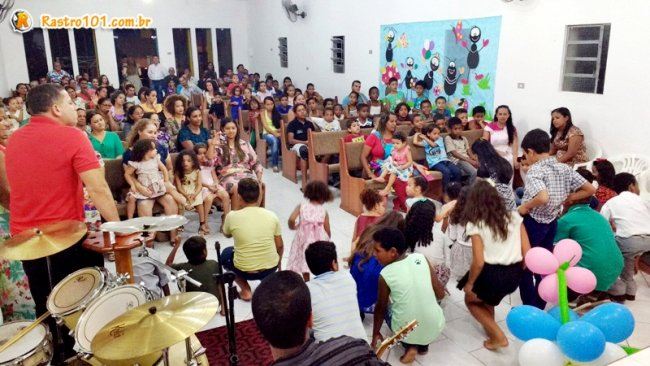 Crianças participaram do culto na Igreja Assembleia de Deus. (Foto: Miltinho)