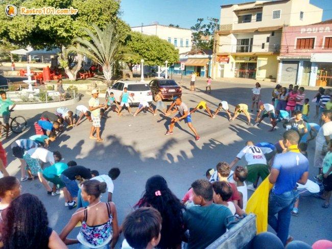 Mais de 100 crianças participaram da corrida. (Foto: Miltinho)