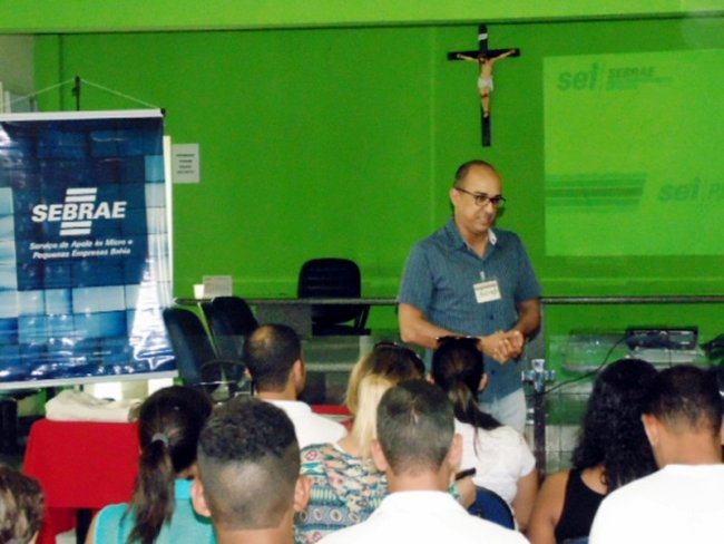 60 microempreendedores de Itagimirim participaram de oficinas que fazem parte do conjunto de ferramentas de gestão do microempreendedor individual (MEI). (Foto: Marcelo Magalhães)