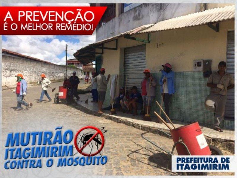 Equipe da limpeza trabalhou na identificação de possíveis focos de criadouros do mosquito. (Foto: ASCOM)