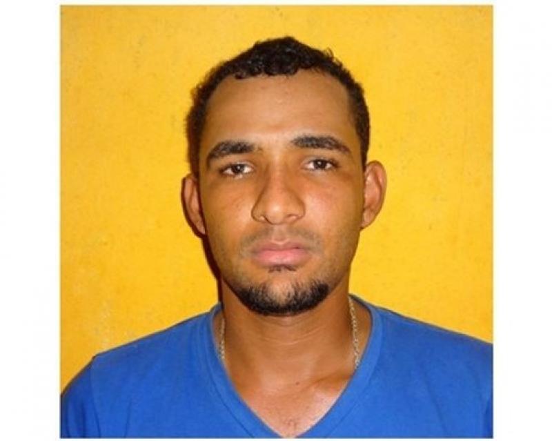 Homem foi surpreendido logo após estacionar arro no bairro Gusmão. (Reprodução: VIA41)