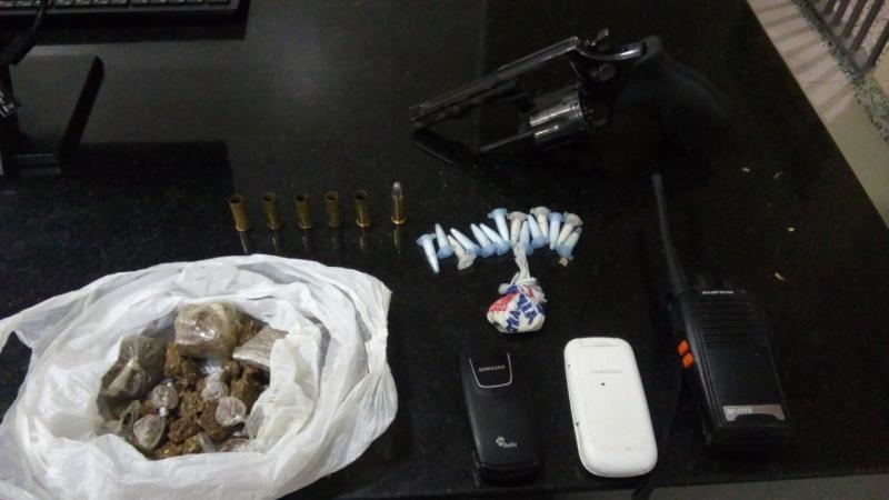 Criminoso estava com material ilícito quando foi encontrado baleado. (Divulgação/PM-BA)