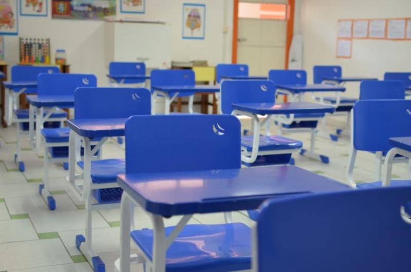 Além da reforma geral, o edital define também a compra de 2.000 novas cadeiras escolares para atender a demanda das unidades de ensino. (Divulgação)