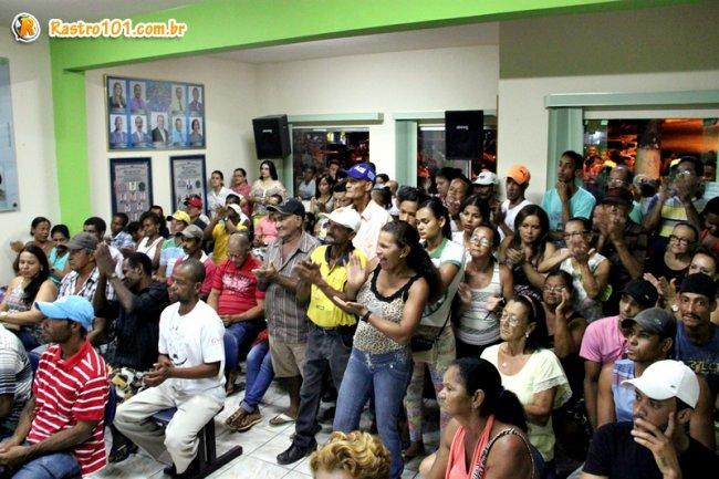 Plenário da Câmara ficou lotado com a população interessada no resultado da votação. (Foto: Rastro101)