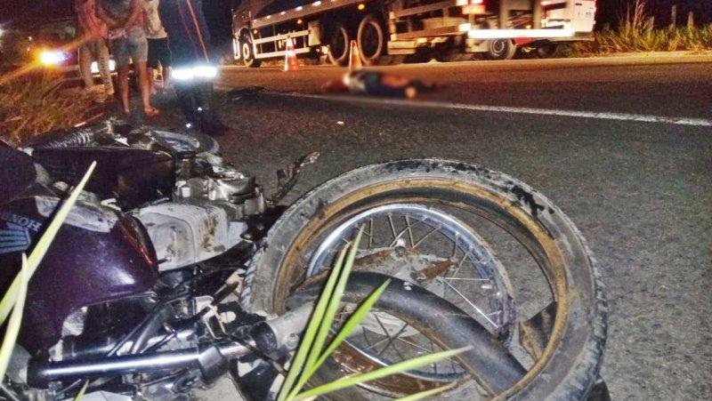 Vítima foi atingida de frente por um caminhão (Rastro101)