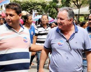 Ronaldo Carletto ao lado do prefeito Rogério Andrade, durante uma visita em Itagimirim. (Foto: Rastro101)