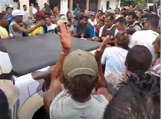 Um dos bandidos foi morto após troca de tiros com a PM. (Foto: Internauta/Rastro101)