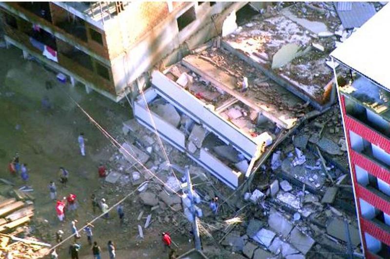 Prédios desabam na cidade do Rio de Janeiro. (Divulgação: Centro de Operações da Prefeitura do Rio)