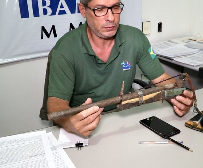 Espingarda artesanal (chumbeira) semelhante a mostrada na imagem era utilizada pelo caçador. (Radar64)