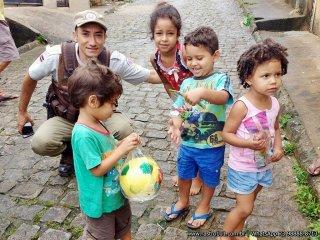Para o policial Valdeni Lopes, foi emocionante ver a alegria das crianças. (Divulgação/PM)