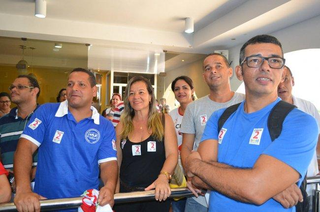 Neilton Castro, coordenador da APLB, e sua equipe, comemoraram a vitória. (Divulgação)
