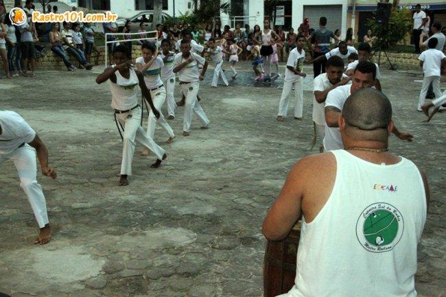 Aula de capoeira com professor Herivelto Ventura (Foto: Rastro101)