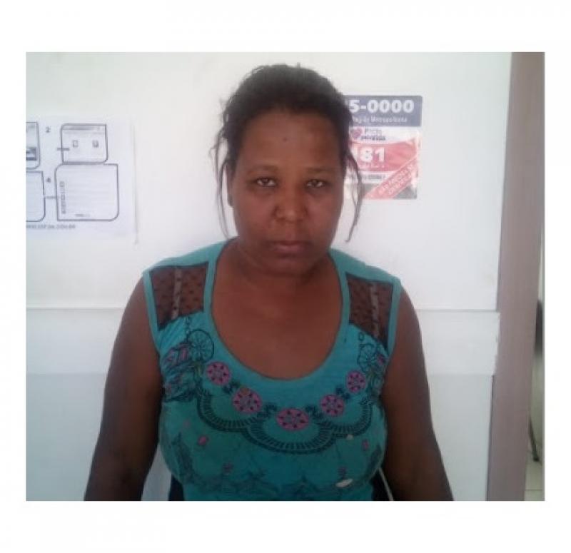 Mulher foi detida após ser denunciada por populares. (Reprodução: Portal Lapa Oeste)
