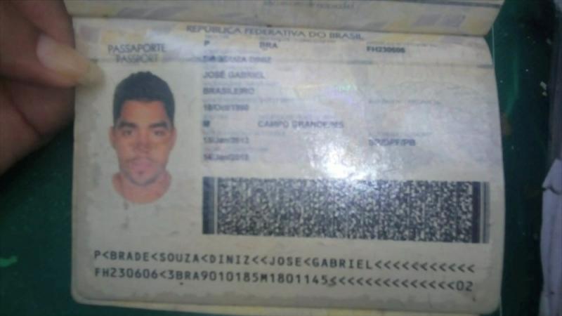 Documentos do cantor foram encontrados próximo aos destroços. (Reprodução/Jornal Hoje)