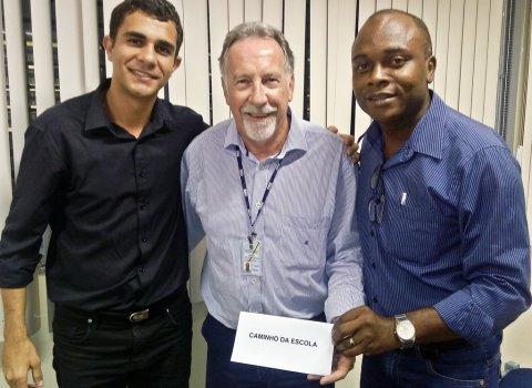 Coordenador do programa Caminho da Escola, João Antônio Lopes de Oliveira, esclareceu dúvidas do secretário de educação Rafael Amaral e do vereador Valdirinei Nascimento. (ASCOM)