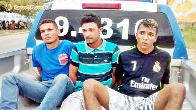 Três suspeito de assaltarem mulheres em Itagimirim e Itabela são presos pela polícia de Itamaraju. (Foto: Divulgação/Polícia Militar)