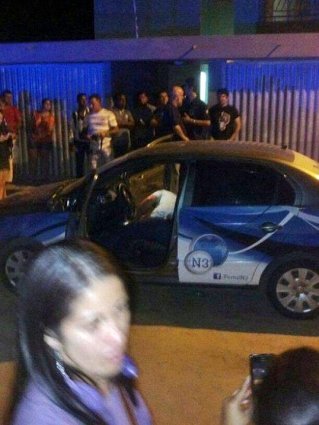 Bandidos chegaram em um veículo Corolla e efetuaram 4 disparos. (Foto: Edilson Azevedo)