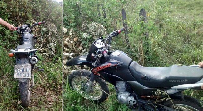 Moto usada em assalto era roubada e foi recuperada pela Polícia Militar. (Foto: Divulgação/PM Itagimirim)