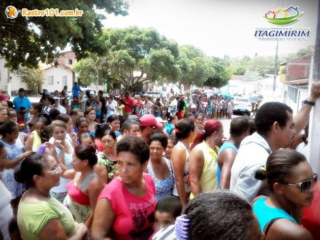 Mai de mil famílias em Itagimirim foram beneficiadas com cestas básicas. (Divulgação)