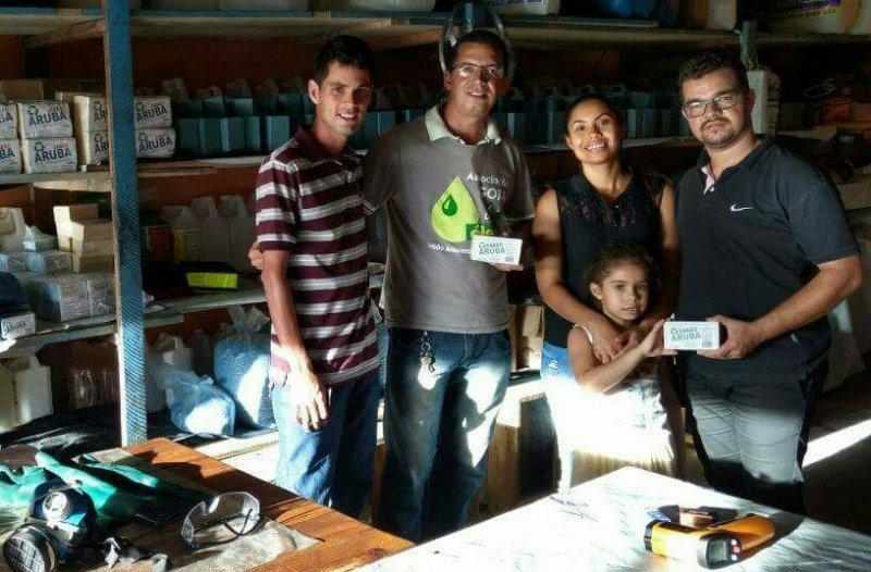 Vereador Epaminondas, esposa e filha visitam associação (Divulgação)