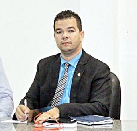 Vereador Epaminondas dos Reis Portugal, representando o município de Itagimirim, foi eleito como 1° Diretor de Comunicação (Arquivo/Rastro101)